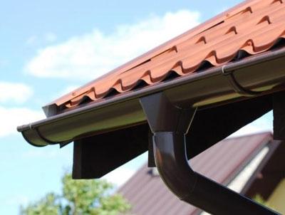 Преимущества водосточной металлической системы